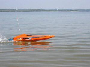 barcos teledirigidos para el mar